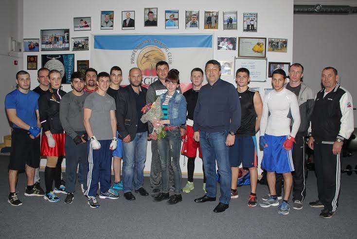 """В боксерском клубе """"Легион"""" состоялось торжественное награждение Надежды Шостак"""